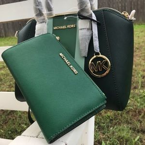 Micheal Kors Satchel and Wristlet set